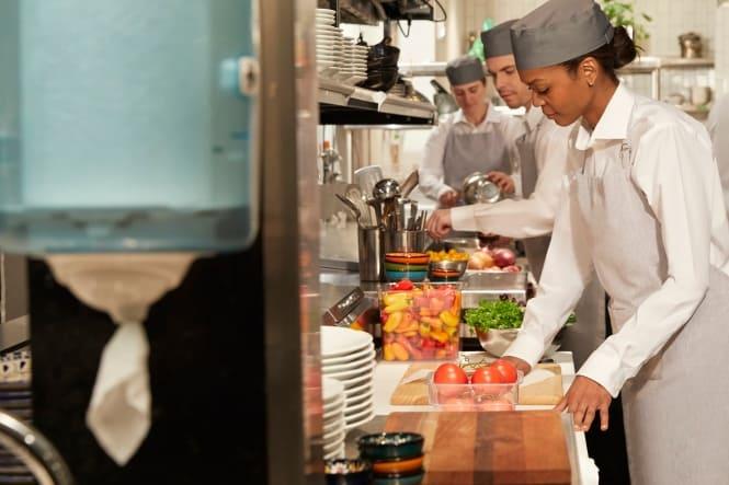 Viden Om: Et bæredygtigt køkkenflow med Tork